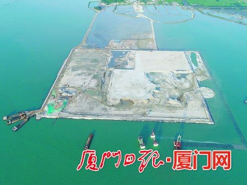 厦门港古雷北1#泊位提前半个月完成沉箱安装