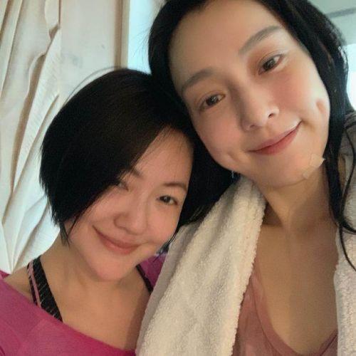 范玮琪不受张韶涵发博影响 晒与小S合照秀友情
