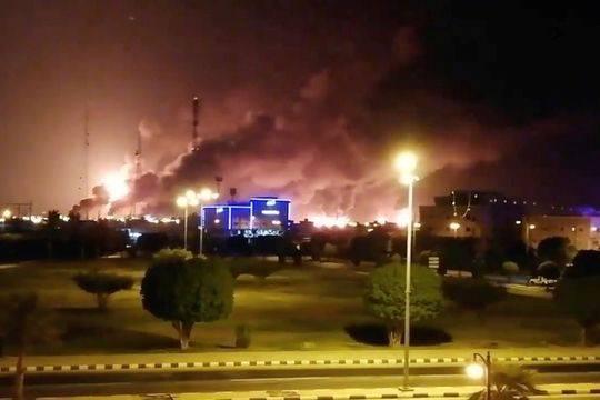 沙特油田被炸怎么回事?沙特油田为什么被炸现场图