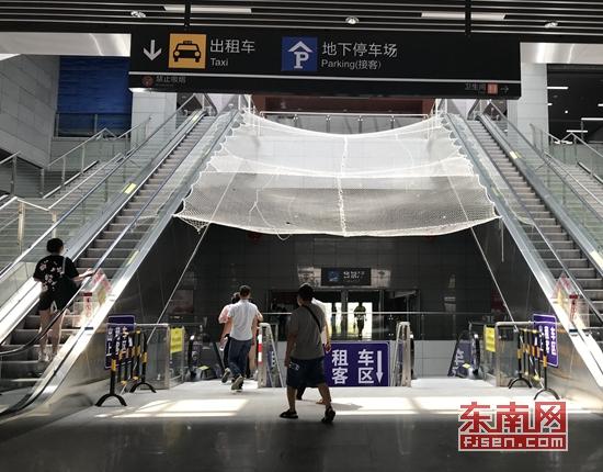 """9月23日起泉州火车站送客区域车辆""""限时5分钟"""""""