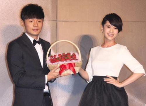 李荣浩杨丞琳疑合肥领证完婚 两个月前成功求婚
