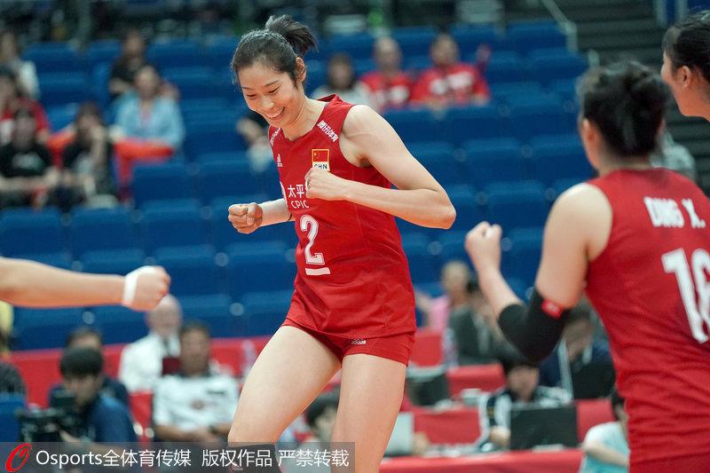 中国女排4连胜 世界杯小组赛3-0横扫多米尼加