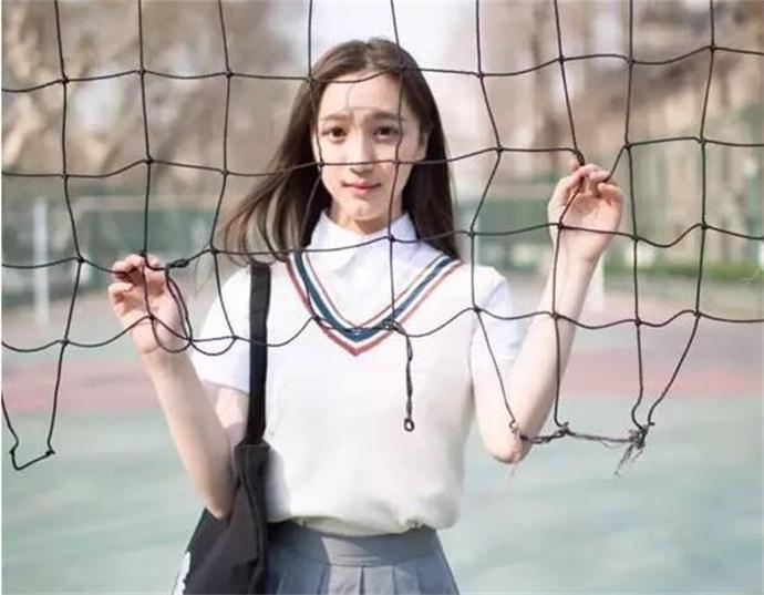 火女子身份被扒是演员刘露