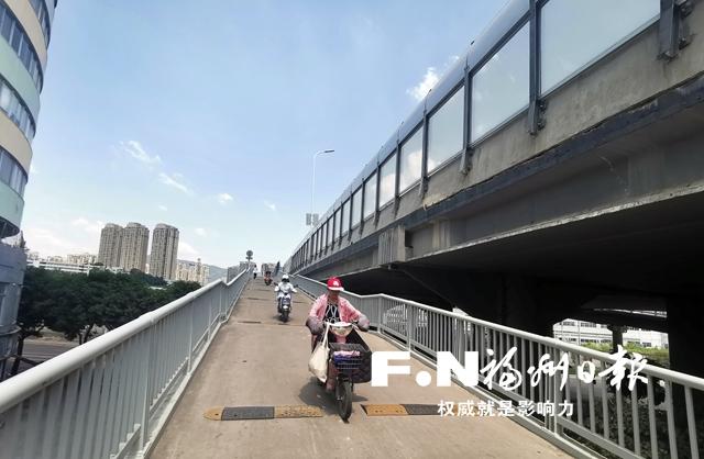 福州琴亭高架桥减速带屡遭破坏 建设方呼吁爱护公共设施