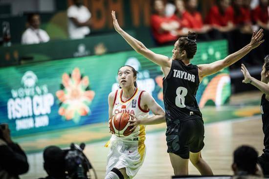 中国女篮对新西兰 中国女篮67-44新西兰赢开门红