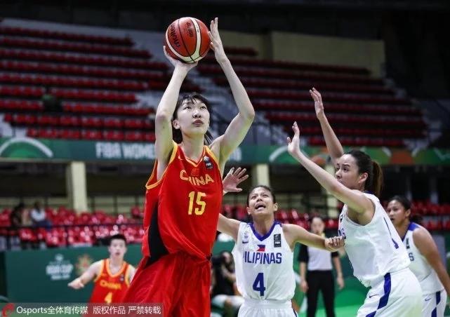 中国女篮两连胜 中国女篮104-57大胜菲律宾