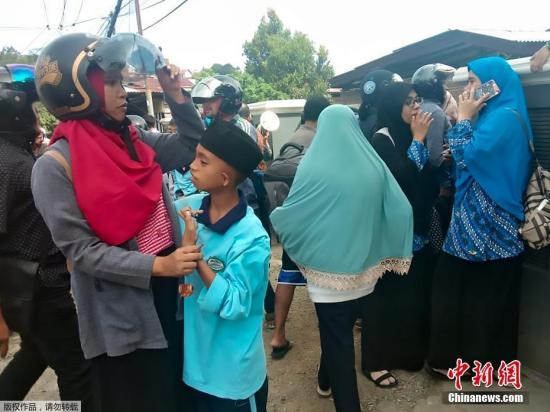 印度尼西亚马鲁古发生6.5级地震 至少1死1失踪