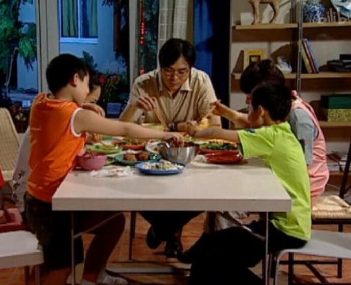 刘星家到底多有钱什么梗,深扒宝藏电视剧家有儿女土豪刘星