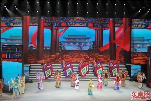 京剧名段联体内唱《龙凤呈祥》。东南网记者张立庆 摄