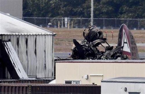 美B-17轰炸机坠毁怎么回事?美B-17轰炸机为什么坠毁现场图曝光