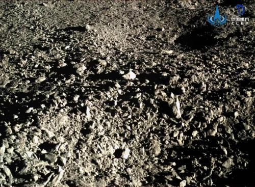 """嫦娥四号着陆器和""""玉兔二号""""巡视器完成第十月昼工作"""