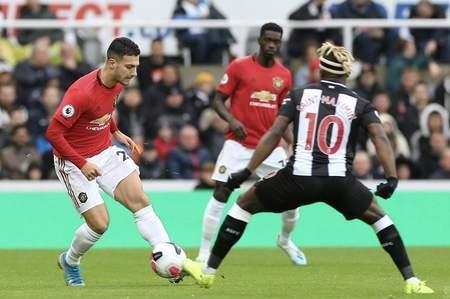 纽卡1-0曼联什么情况 朗斯塔夫打入在英超联赛中首粒进球