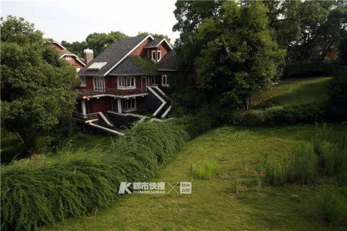 """1996年开始开发的九溪玫瑰园,曾入围""""全国十大豪宅""""。韩丹 摄"""