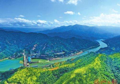 黄楮林保护区:深山幽谷藏千奇 碧水清溪绕密林