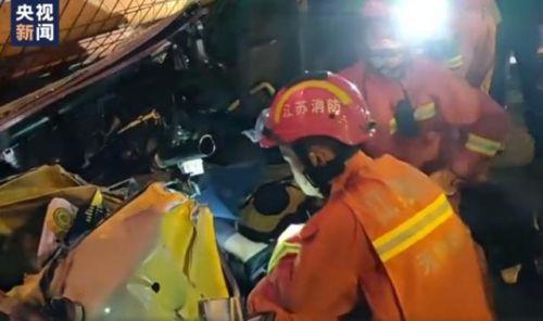 无锡高架救援现场曝光 无锡高架桥坍塌最新消息坍塌原因到底是什么