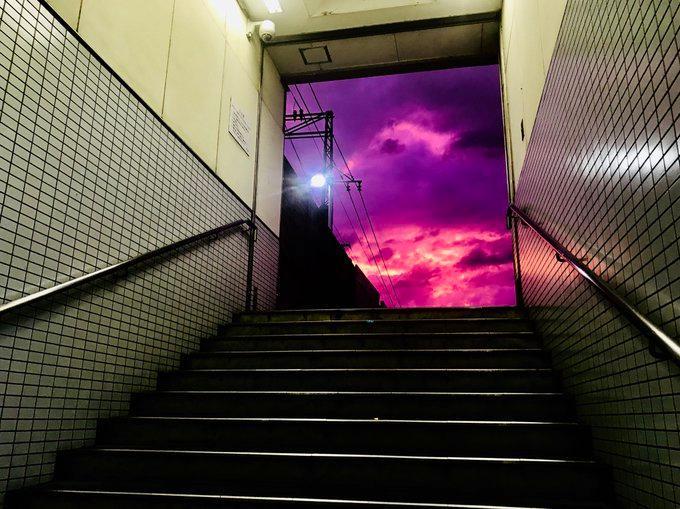 """日本天空宛如魔界,网友吐槽""""通向魔界大门已经打开"""""""