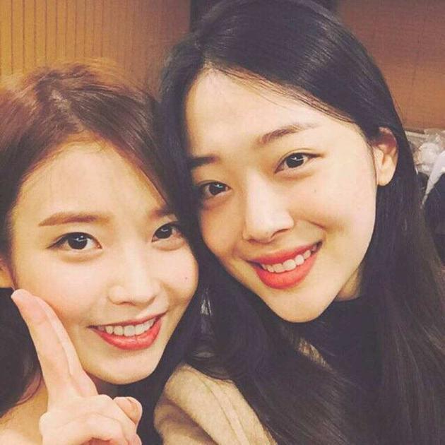 IU曾为好友雪莉写歌《桃子》 时隔7年再登音源榜