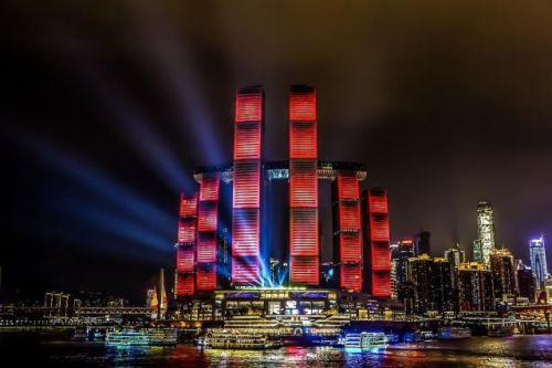 来福士正式亮灯 新加坡在华投资最大单体项目