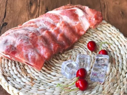 厉害了!漂洋过海,45年工艺打磨,西班牙顶级屠宰场出品的猪肋排抢鲜价:19.98元/斤!