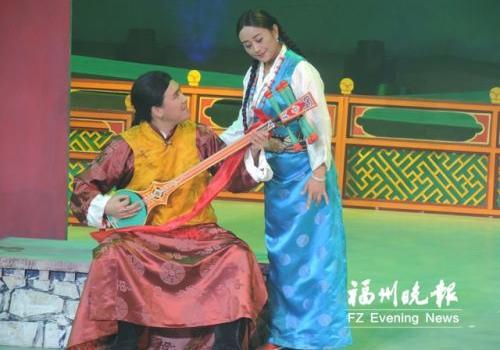藏戏《六弦情缘》亮相戏剧节 一个人的乐队引人关注