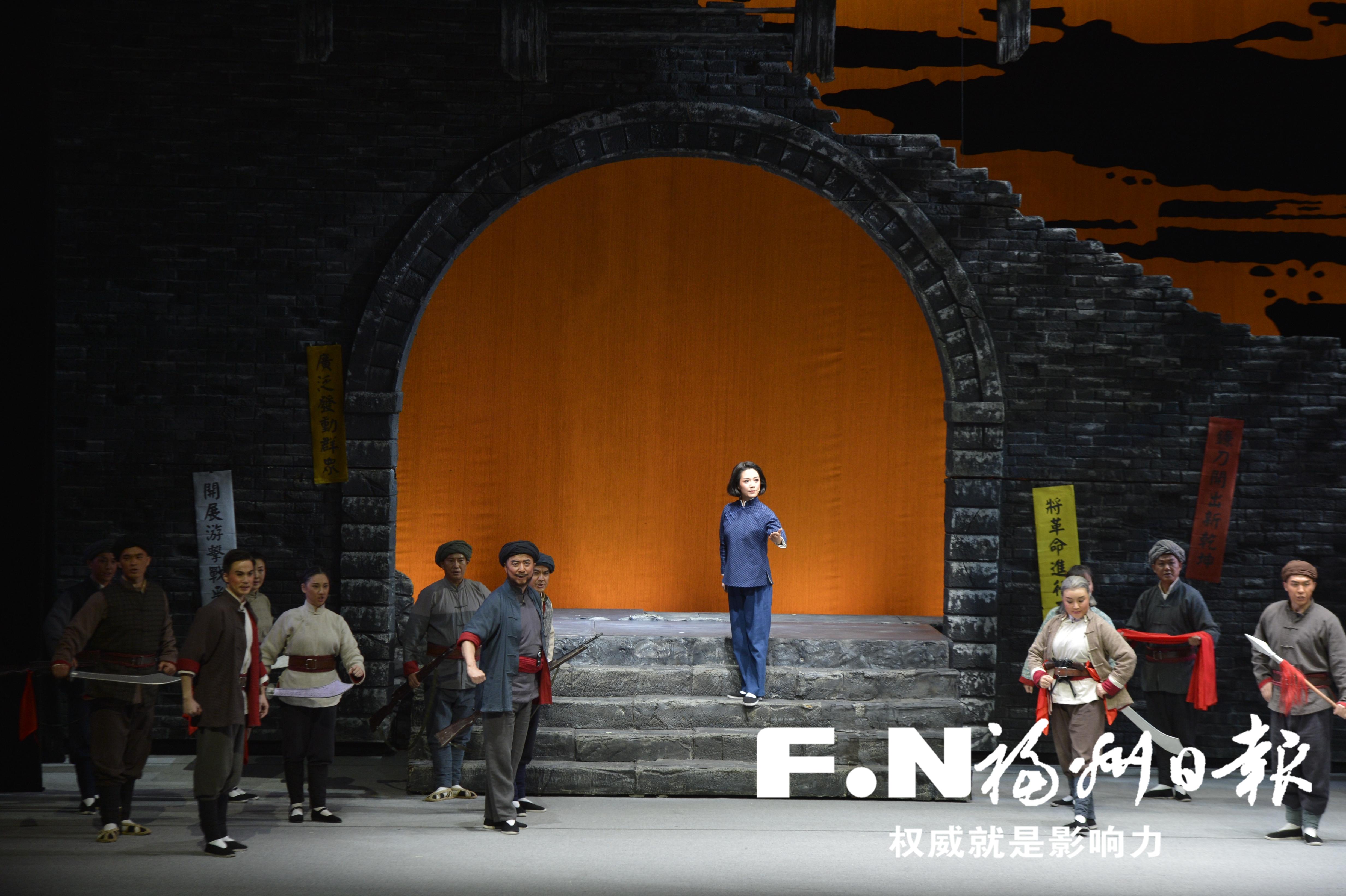 川剧《江姐》献演戏剧节 观众感受到信念的力量