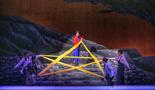 重庆市川剧院创排的《江姐》来榕演出,传承经典红色精神