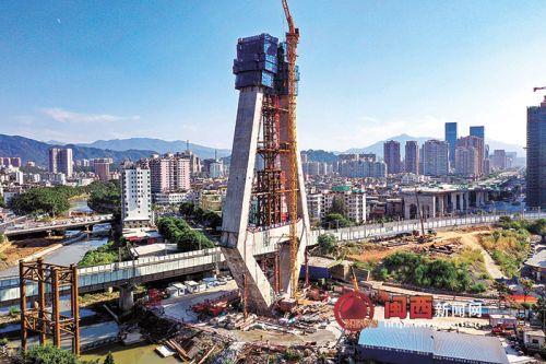 龙岩大桥完成主塔中塔柱浇筑施工