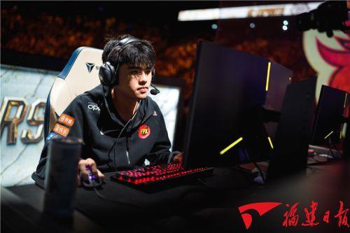 福建第一人!福清小伙助中国FPX战队夺冠英雄联盟全球总决赛!
