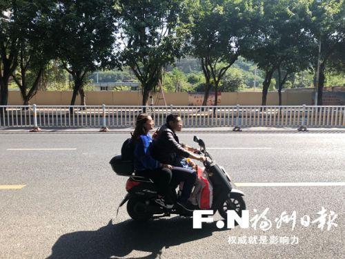 電動自行車只允許搭載1名12周歲以下未成年人