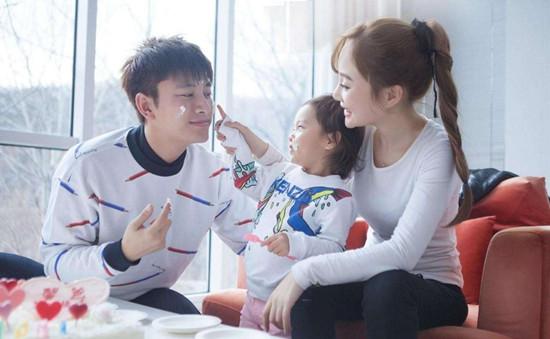 贾乃亮李小璐官宣离婚孩子由两人共同抚养 声明日期有亮点!