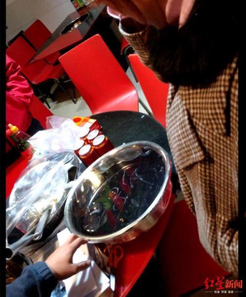網紅火鍋店使用老油事件始末 六六六鮮味兔火鍋店使用老油被刑拘