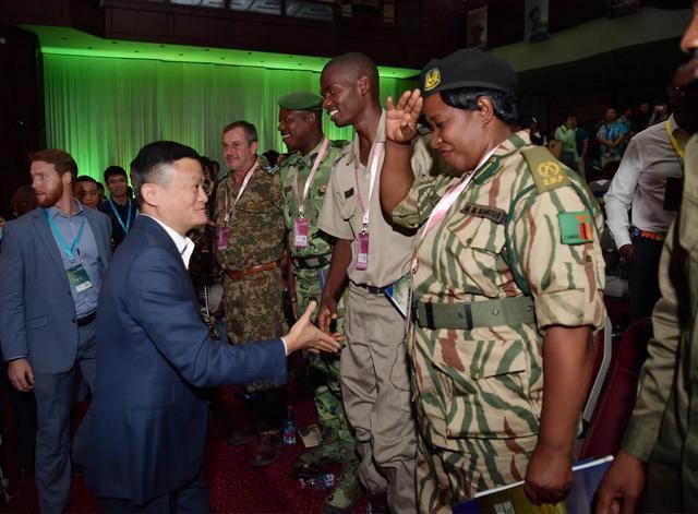 馬云再度為非洲巡護員頒獎:你們是這個時代的英雄