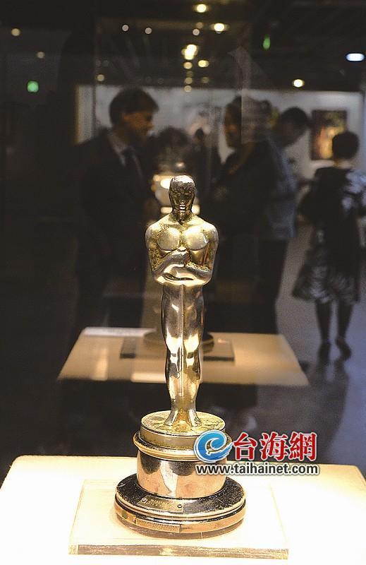 金鸡百花电影节今日启幕 一大拨明星陆续抵达厦门