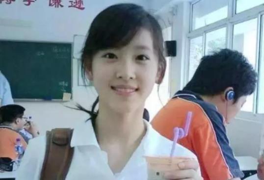 章澤天曬女兒禮物 一個細節揭示與劉強東的關系