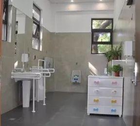 上海1810座公厕免费提供厕纸,近半公厕可提供热水洗手