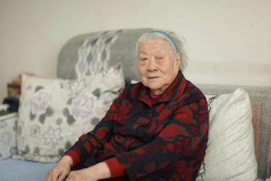 徐悲鴻女兒去世享年90歲 徐悲鴻女兒徐靜斐照片個人資料去世原因曝光