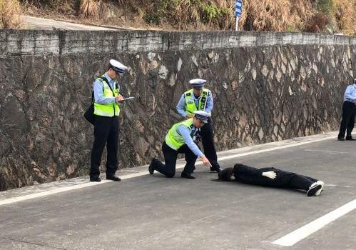 福建省公安交警开展业务技能竞赛 近1000多名民警参加