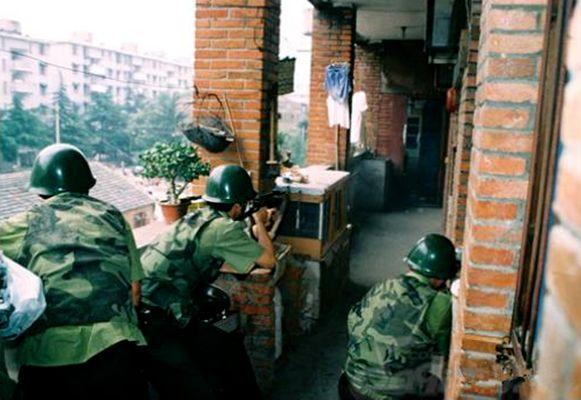 女逃犯劳荣枝落网,20年前枪战现场曝光