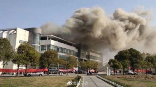 南通大學食堂著火怎么回事?南通大學食堂著火原因現場圖曝光