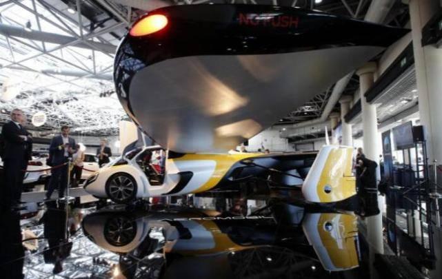 首辆飞行汽车亮相预计在2020年交付使用
