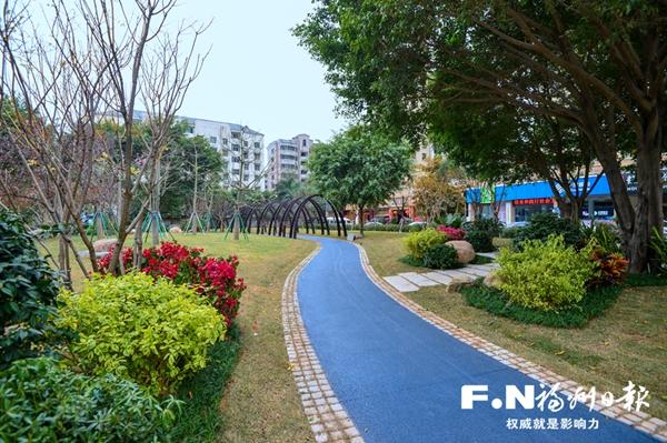 东二环绿化提升项目本月中旬基本完成