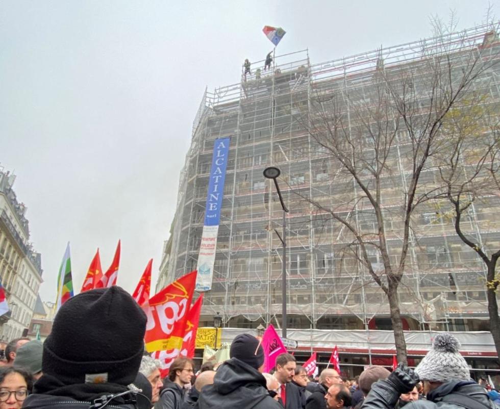 法国爆发大罢工怎么回事? 80多万人示威 交通大瘫痪 现场图曝光