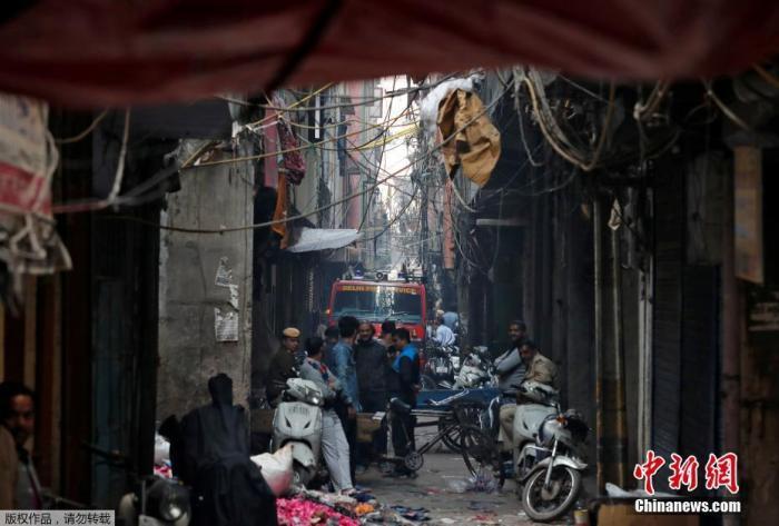 印度新德里火灾最新消息 造成至少43死逾50伤 厂主被捕被逮捕