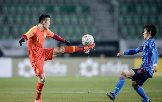 姜至鵬踹到日本隊球員頭部事件始末 姜至鵬踹到日本隊球員頭部動圖