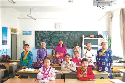 一年半支教即将结束 杭州这位老师递交了延期申请