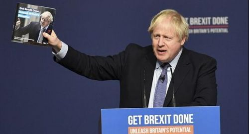 英首相给居民送奶怎么回事 约翰逊为拉票使出浑身解数