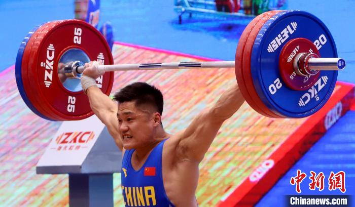 2020年东京奥运会资格赛:中国选手石智勇举重世界杯赛破纪录