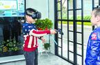 """福州:垃圾分类亮出""""科技牌"""" 机器人来分类VR眼镜帮练习"""