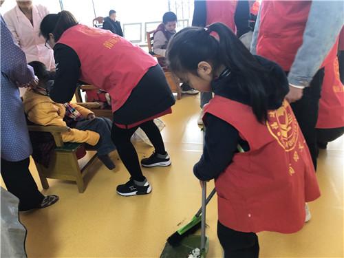 """莆田学院举办""""剪当爱,献温情""""志愿活动"""