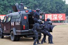 福建警方:沙場冬點兵 礪劍護安寧